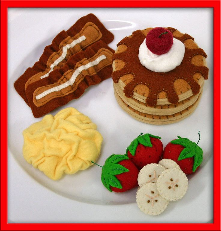 Wool Felt Play Food - Pancake and Egg Breakfast.
