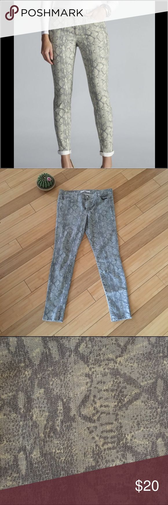 "Else Python Printed Skinny Jeans These skinny jeans can be dressed up or dressed down. Approx 28"" inseam. Gently worn and in good condition. Cotton/Poly/Lycra blend. Jeans Skinny"