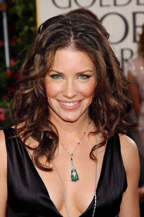 Evangeline Lilly Height, Weight, Bra Size Body Measurements