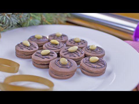 Tesco recepty   Kakaové cukroví zdobené čokoládou s mandlí - YouTube