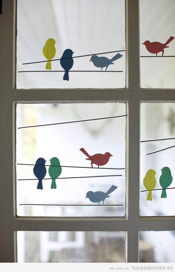 Decoración de ventanas con pegatinas y sin cortinas