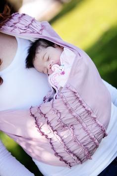 Bessie Heirloom Peanut Shell Baby Sling.: Baby Carrier, Peanut Shells, Ruffles Baby, Baby Kids Etc, Baby Slings, Sewing Machine, Heirloom Peanut, Shells Baby, Purple Baby