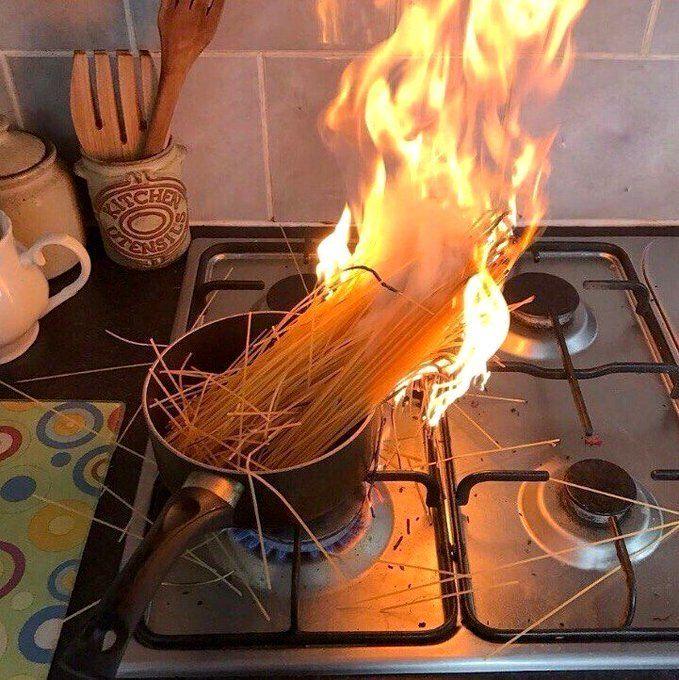 Прикольные картинки готовить еду, мейд открытки