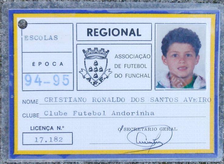 Carné de Cristiano Ronaldo como miebro del Club de Futbol Andorinha.