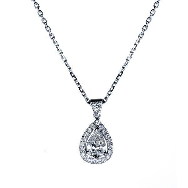 SO PRECIOUS : Pendentif en or blanc 18k serti au centre d'un diamant taille poire entouré diamants #collier #orblanc #diamants #bijoux #luxe #valeriedanenberg  #poire