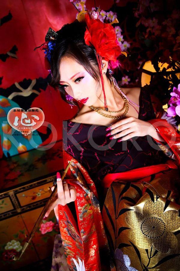信頼の技術と「心」のこもったおもてなしで大満足の舞妓体験・花魁体験をお約束致します。