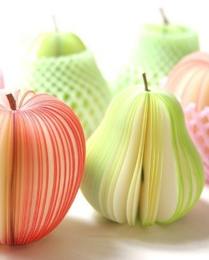 Made from paper: Posts It Note, Idea, Fruit Design, Fruit Photography, Sticky Note, Pears, Japan Design, Design Studios, Food Art