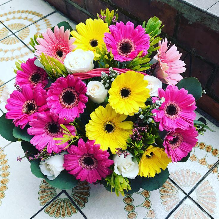 Happy Day! Best flower Delivery Singapore. #floristsg #sgflorist #flowerdeliverysingapore #flowerdelivery #littleflowerhut #florist #floristsingapore #onlineflorist   www.littleflowerhut.com.sg