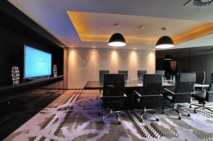 This meetingroom shows a very inviting and special carpet style.