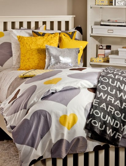 livpinwheel reversible duvet cover and sham set - Really Cool Bedding