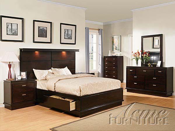 Master bedroom set from Molino