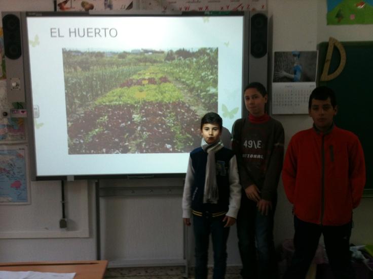 Emanuel, Iván y Juanjo nos hablaron sobre el huerto. Muy buen trabajo chicos.