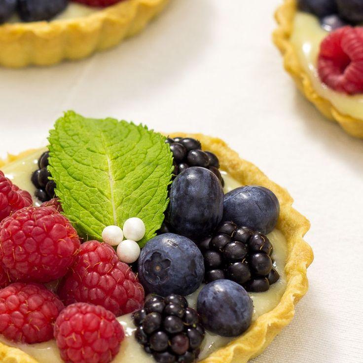 Tartaletas de crema y frutos del bosque (veganas)