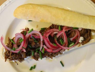 Eetlust!: Broodje stoofvlees met balsamico en zoetzure ui