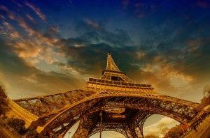 """Oh, Paris – the """"City of Love"""" and """"City of Light"""".  http://owegoo.com/destination/paris/"""