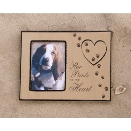 A lovely gift for someone who has lost a beloved pet. The frame expresses how much the pet owner loved his or her four-legged family member and how the pet is forever loved. A perfect remembrance keepsake to honor a pet's life, the photo frame will become a timeless treasure. $14.99