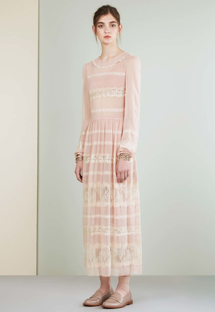 See the complete Red Valentino Resort 2017 collection.