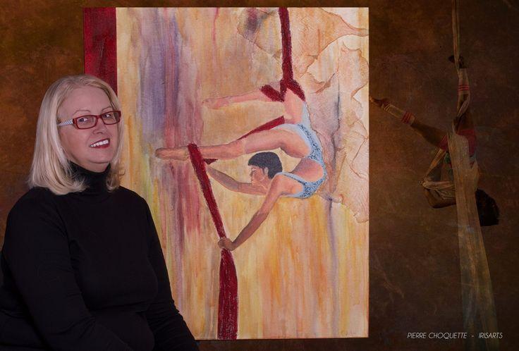 Rosanne Leclerc est une artiste peintre. Elle travaille avec plusieurs techniques et médiums, mais c'est l'acrylique qu'elle préfère. Elle s'inspire surtout du cirque, des défis des artistes qui peuvent ressembler à ceux du quotidien.