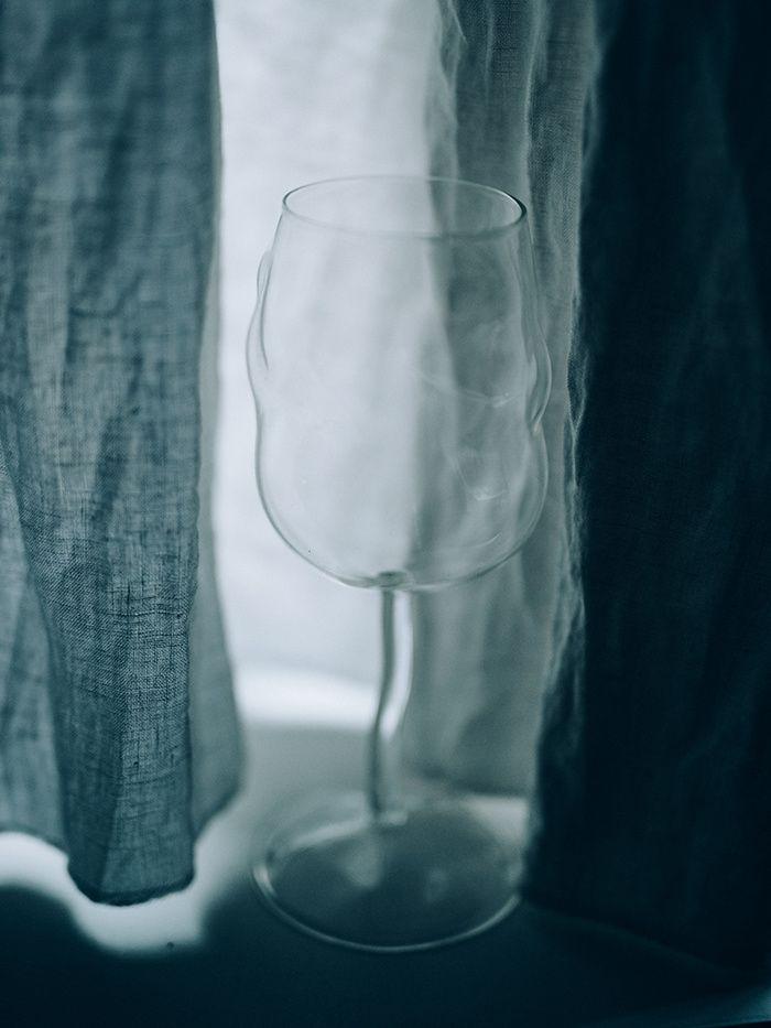 1000 id es sur le th me verre pied sur pinterest rangement foulard porte verre et housses. Black Bedroom Furniture Sets. Home Design Ideas