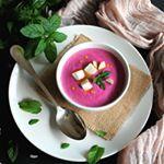 Receta de ajoblanco de remolacha. Una sorprendente sopa fría lista en 15 minutos que sorprenderá por su color, y sabor 😉💗 . . . #food #foodie #cooking #cocina #receta #recipe #gastro #foodlove