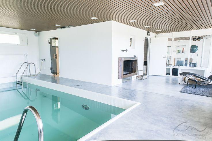 Indoor Pool. Katin Kokeelliset Remontit: kesäkuu 2014