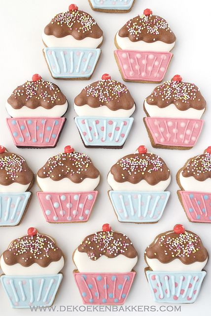 cupcake iced cookies