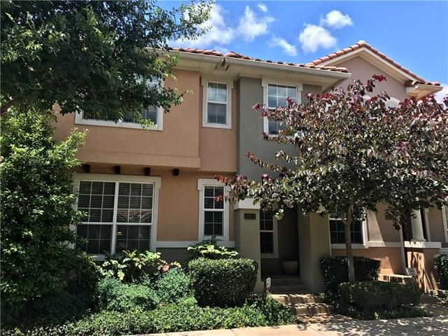 Located in prestigious La Villita in Las Colinas. Bright open modern floor plan. This gorgeous Mediterranean style 3 bedroom & study home features wood floors, granite counter tops, gourmet kitchen with gas cooktop and quaint patio. Master suite with separate shower & tub and dual sinks. Beautiful neighborhood lake and greenbelt for you enjoyment.