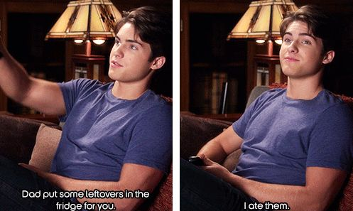Oh Mike... #PLL #CodyChristian #Food
