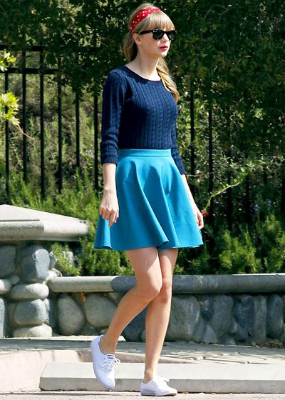 Celebs who love retro fashion: #TaylorSwift