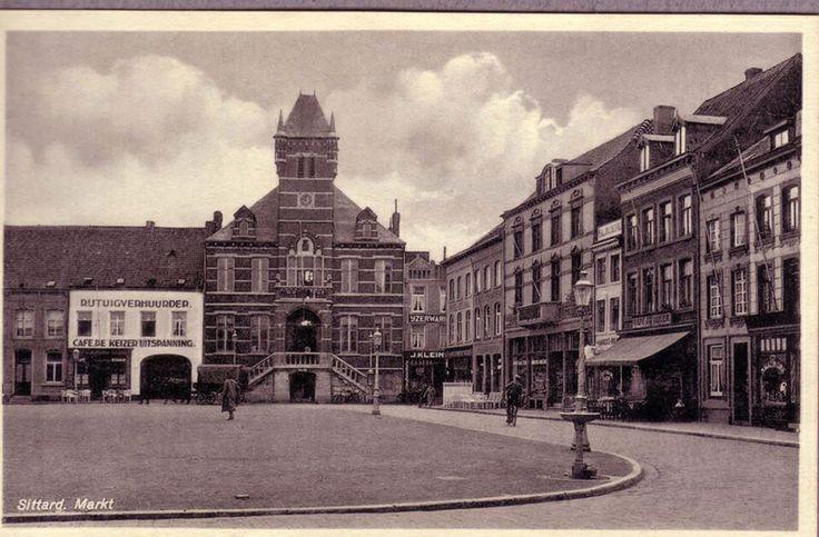 Markt Sittard met oude Stadhuis