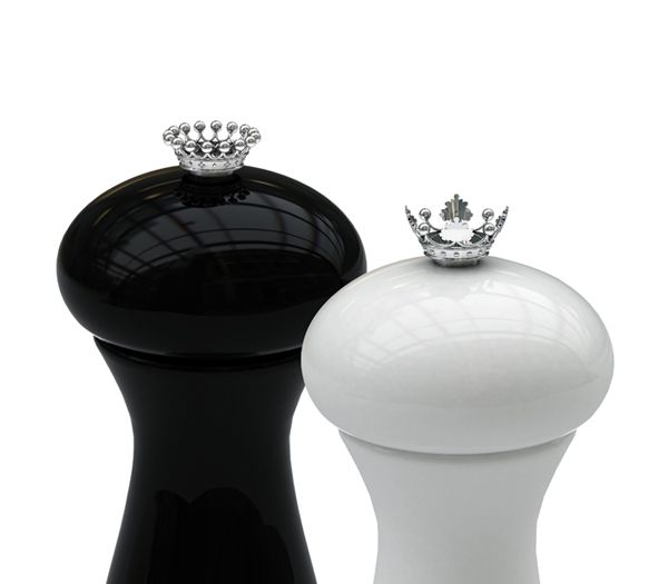 Salt and pepper: 10 inspirations | 3. Salt and Pepper Mills with Sterling Silver Crowns