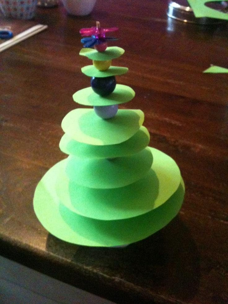 Rondjes en kralen kerstboom!