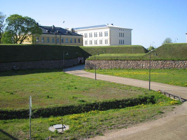 Hamina Fortress ►► http://www.castlesworldwide.net/castles-of-finland/intact-castles/hamina-fortress.html?i=p