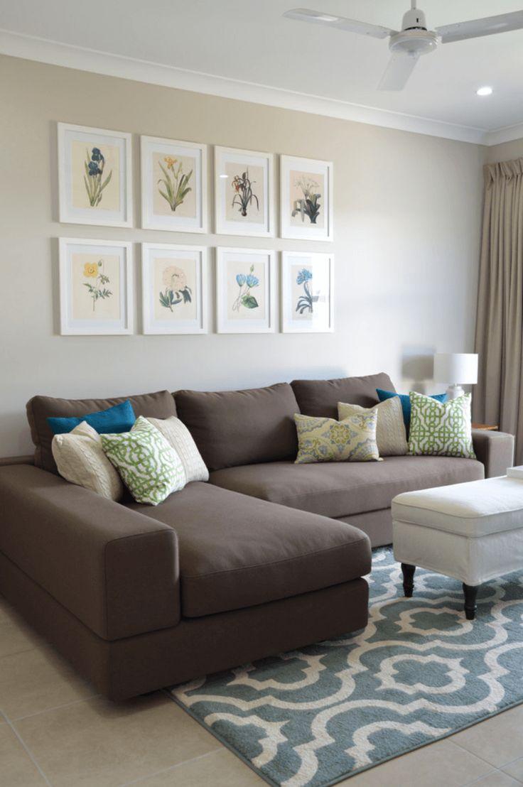 Veja 41 projetos selecionados de salas pequenas com soluções e truques que fazem a sala parecer maior do que realmente é! Confira as dicas da arquiteta.