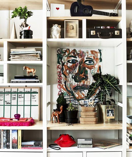 Mobili A Giorno Con Foto Documenti E Oggetti Personali Ikea