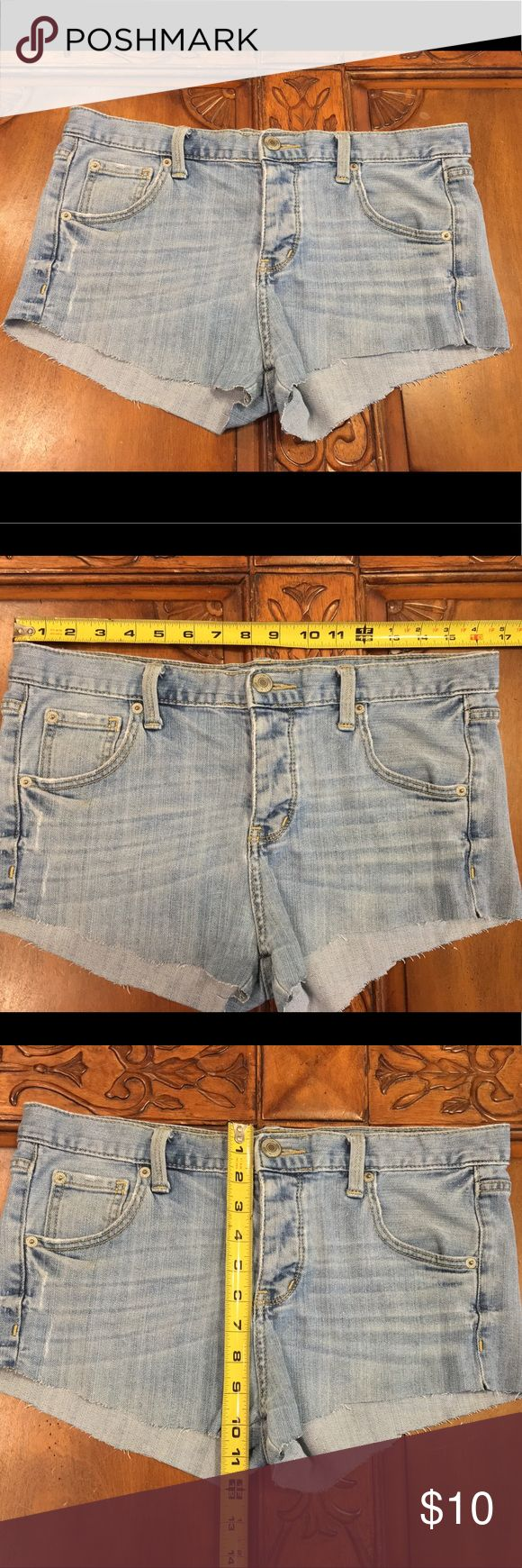 Boyfriend cut Jean shorts Adorable with slight distressing. Looser fit. In excellent condition Mossimo Supply Co Shorts Jean Shorts