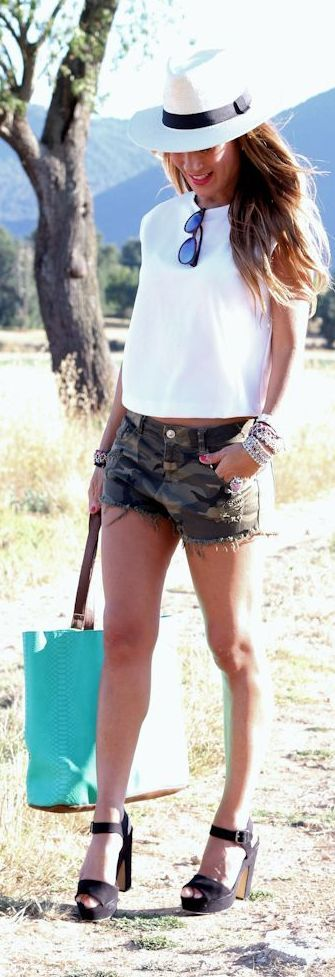 Camo Short Outfit Idea by Lola Mansil Fashion Diary