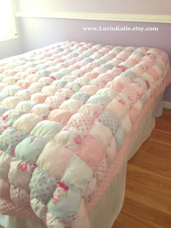 143 best LuvinKatie images on Pinterest | Puff quilt, Bubble quilt ... : patchwork quilt blanket - Adamdwight.com