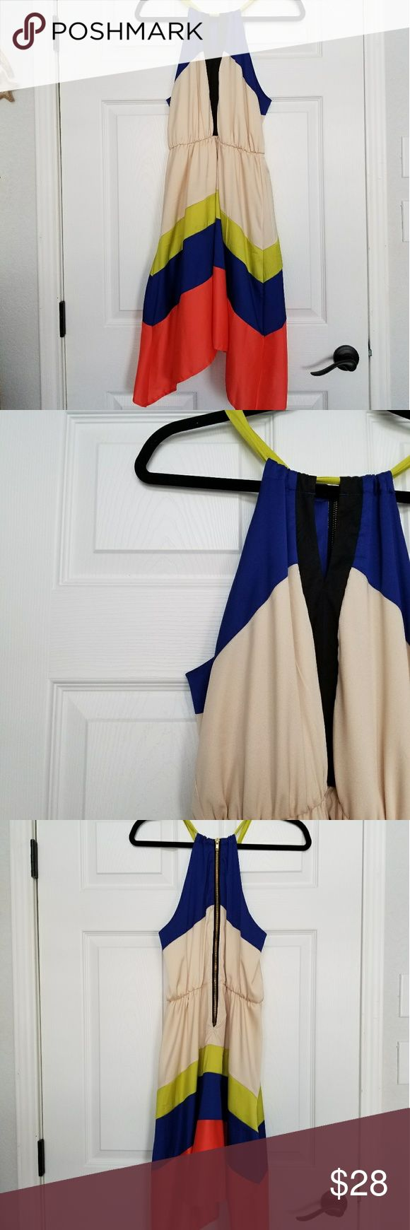 Gianni Bini colorblock flowy halter dress sz. 9 Gianni Bini colorblock flowy halter dress sz. 9 .  Excellent condition. Great dress for Spring! Gianni Bini Dresses Midi