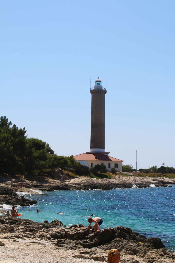 Dugi Otok o ''La Isla Larga'' para mí una de las islas más bonitas que se pueden encontrar en Croacia. Visita mi web si quieres leer mis aventuras en Croacia y ver más fotos: https://unachicatrotamundos.wordpress.com/2016/08/01/dugi-otok-la-isla-mas-bonita-de-croacia/