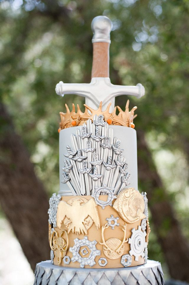 Game of Thrones wedding cake   Candice Benjamin Photography   see more on: http://burnettsboards.com/2014/04/game-thrones-themed-wedding-2/