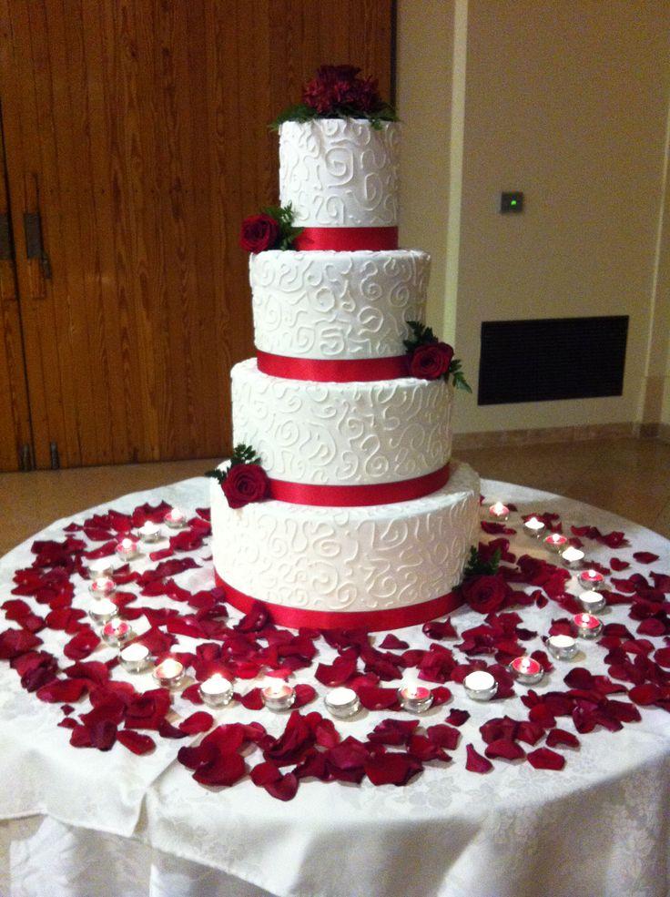 Quando i #sogni si avverano... Grazie Alessandro e Livia ❤️ #weddingcake #tortasposi #chiryscakes #matrimonio #wedding #sposi #love #amore #biancorosso