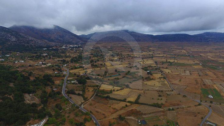 Το Οροπέδιο Λασιθίου είναι μια πεδιάδα που περιβάλλεται από βουνά στο κέντρο του νομού Λασιθίου και είναι γνωστό για τους γραφικούς ανεμόμυλους που αντλούσαν τα υπόγεια ύδατα για να ποτίζουν τις καλλιέργειες.