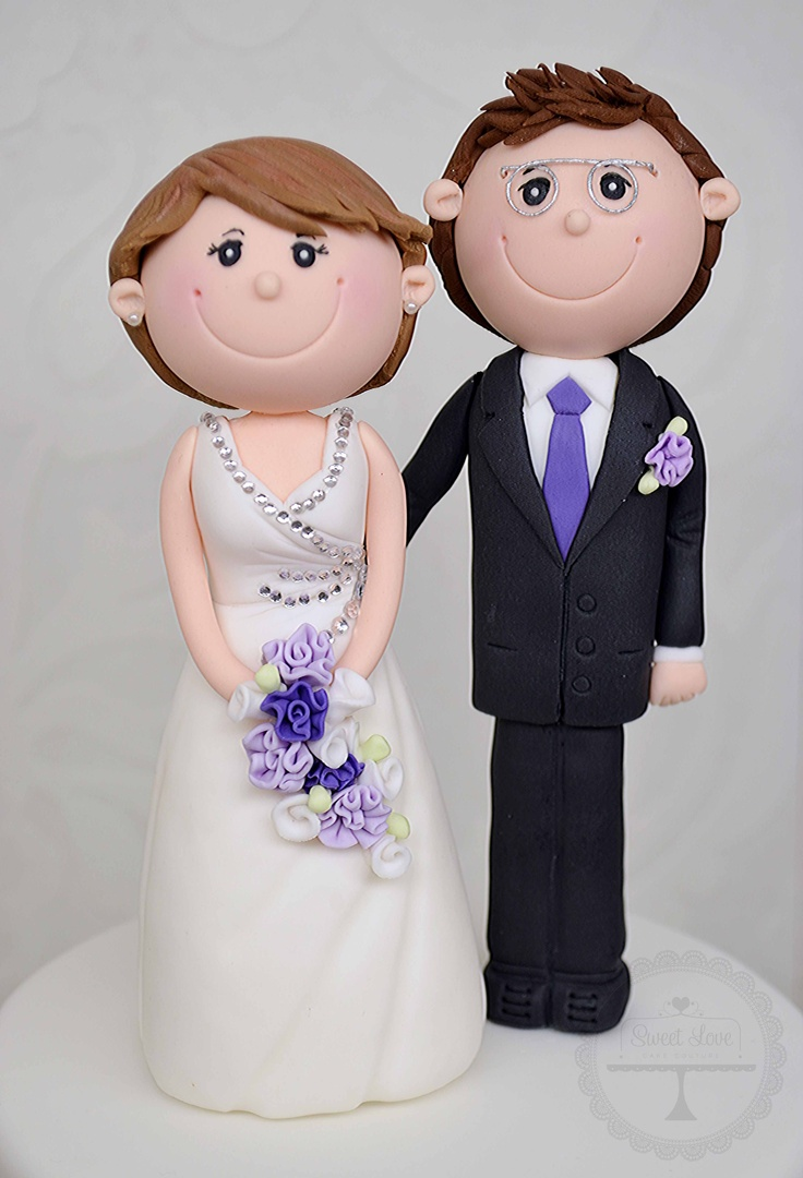 Cake Toppers In Fondant : The newlyweds . . . Fondant Bride & Groom Pinterest ...