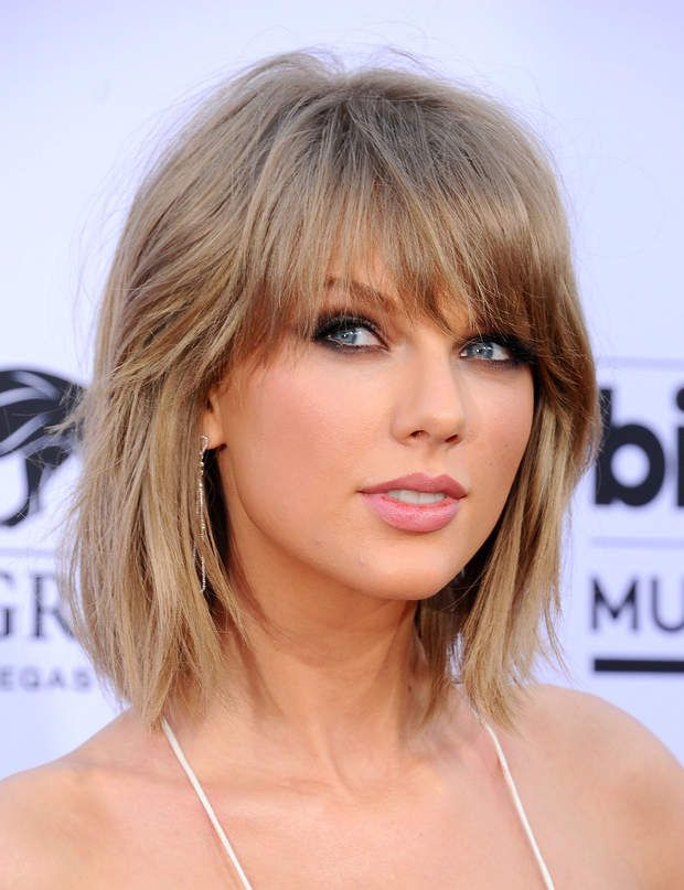 le blond fonc de taylor swiftla chanteuse sessaye dsormais au blond cendr une - Coloration Cendr