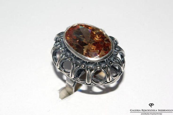 Wyjątkowy pierścionek z cyrkonią. Srebro 925