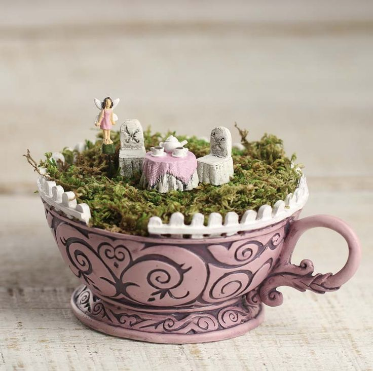 The Wonderland Tea Cup Pink Garden Set is an excellent way to start, or simply to give you more elements to make your miniature displays that much better! They also make great start gifts! Moss sold s