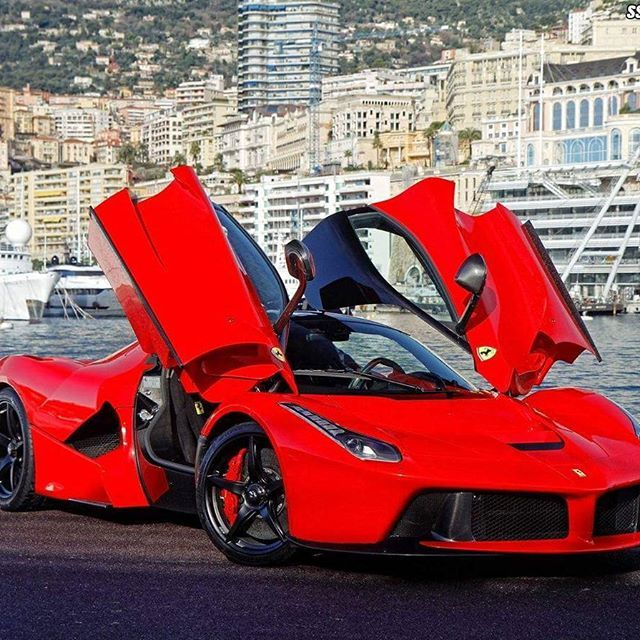 Ferrari LaFerrari This Near 1000 Hp Hybrid Supercar, Is One Of The Rarest  Ferraris In The World. Only 500 Cars Has Been Build, One Of Which Are Owned  By The ...