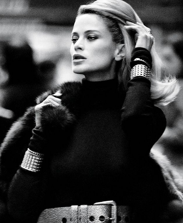 ru_glamour: Carolyn Murphy for WSJ December 2012