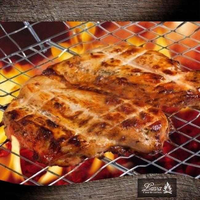 Deliciosa pechuga de pollo a la parrilla, parte importante de nuestro menú. #Luva #CasadeCarnes